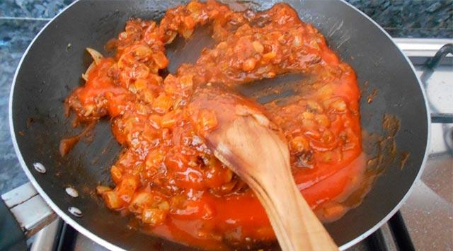 Caracoles en salsa picante