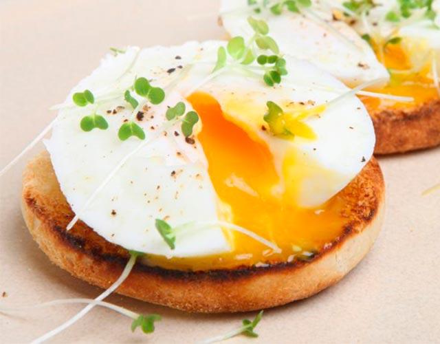 Huevos poché al microondas