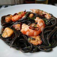 Spaguetis al Nero di Sepia