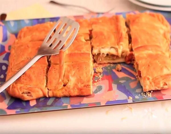 Empanada gallega de bonito y pimientos