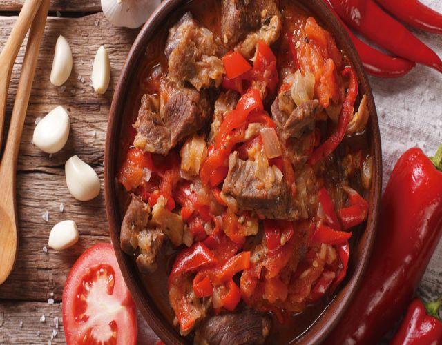Estofado de ternera con zanahoria y cebolla