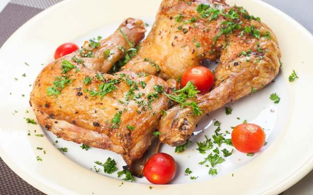 Cuartos de pollo al horno