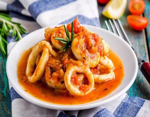 Calamares guisados en salsa