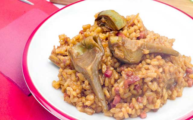 Paella de carne