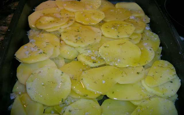 Pargo al horno con patatas