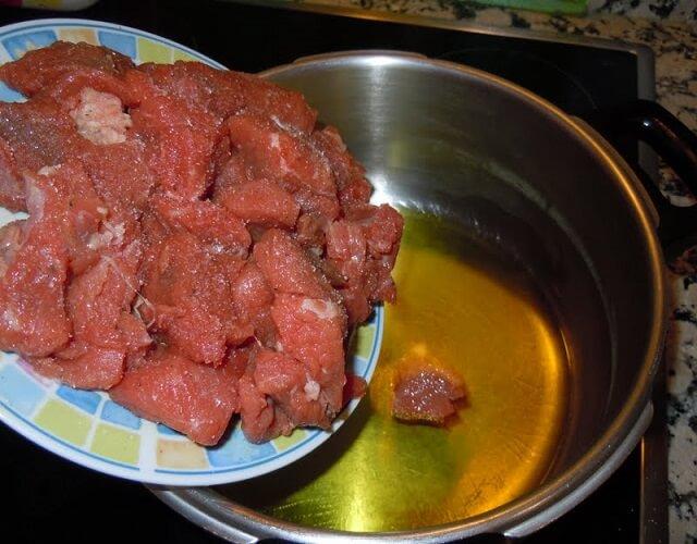 carne en la olla