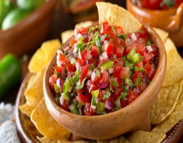 Pico de gallo mexicano