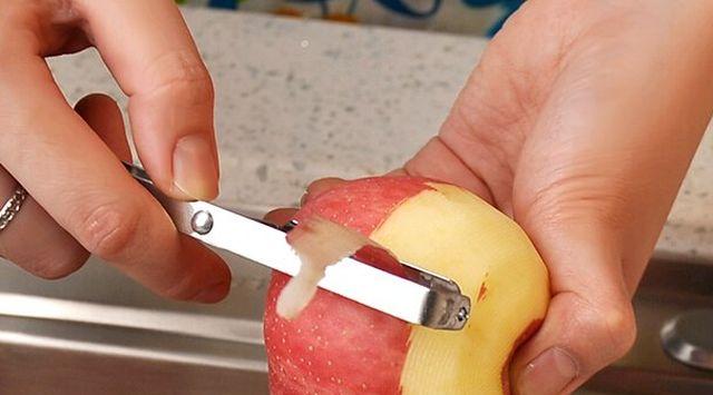 Col lombarda con manzana