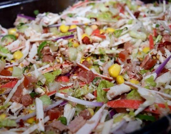 Ensalada de surimi y atún
