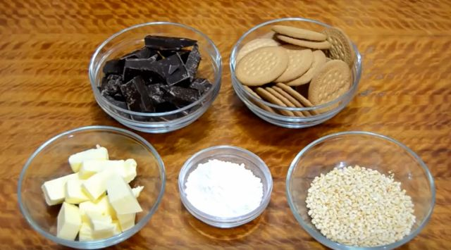 Salchichón o salami de chocolate