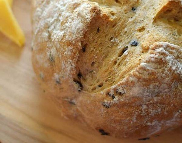 Pan con aceitunas