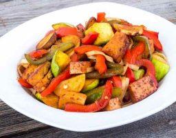 Salteado de tofu