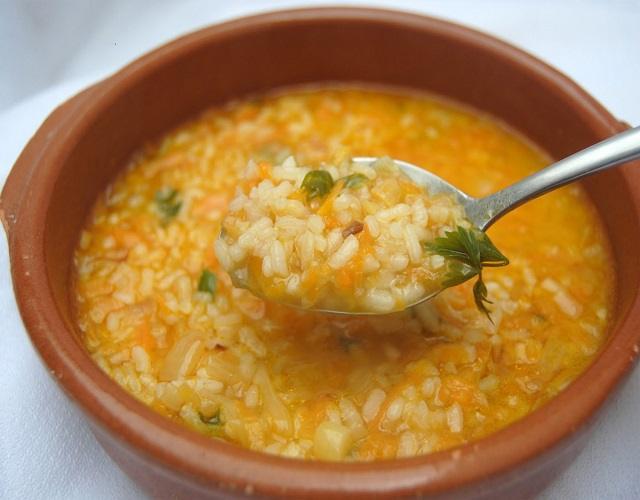 Sopa de arroz picante