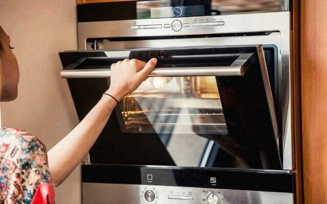 Introduce los bretzel en el horno a 180º C