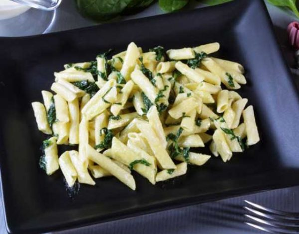 Macarrones con espinacas
