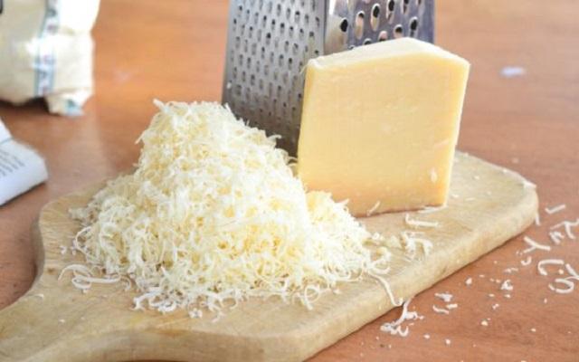 Carpaccio de buey con parmesano