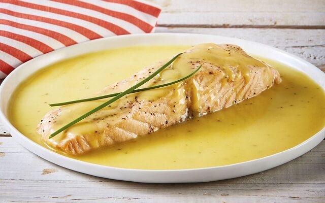 Salmón en salsa de mostaza