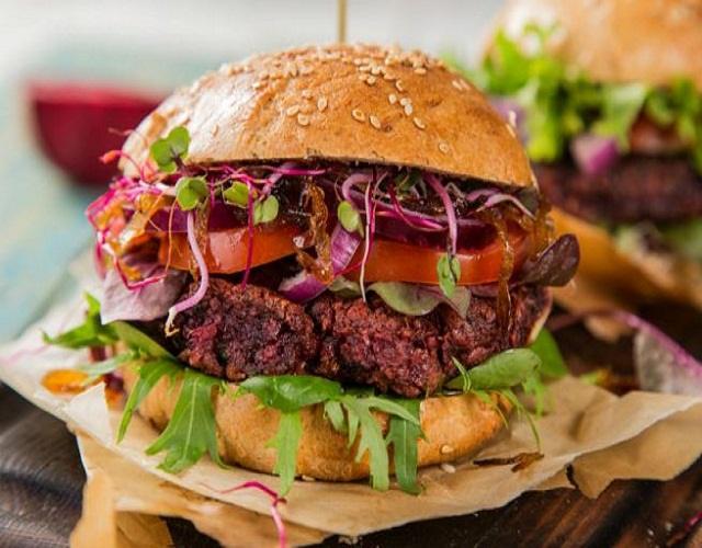 Hamburguesa vegetariana de remolacha