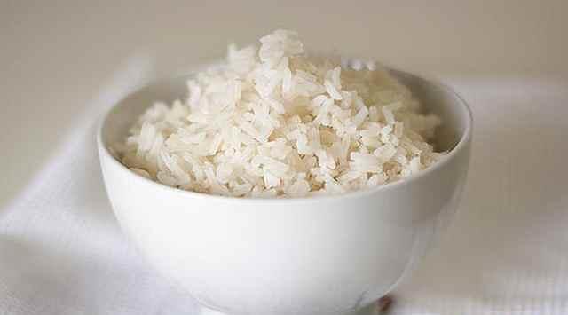 Ensalada de arroz y piña