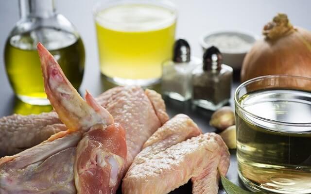 Alitas de pollo al vino blanco