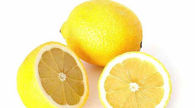 Limones rellenos helados