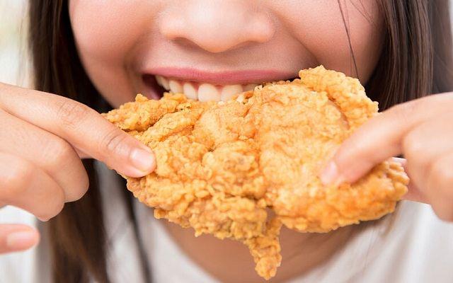 Pollo frito crujiente al estilo americano