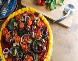 Pizza de polenta sin gluten y vegana