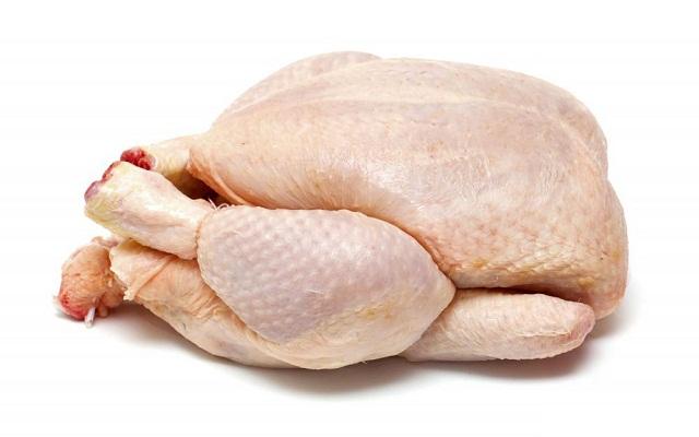 Pollo en salsa con vino blanco