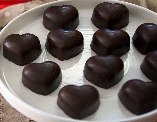 Bombones de chocolate negro