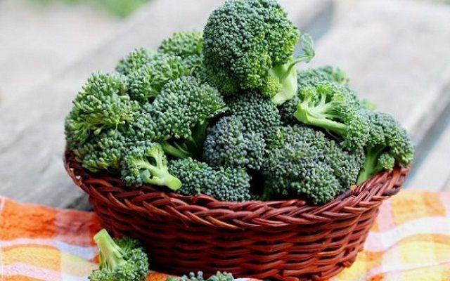 Brócoli con huevo