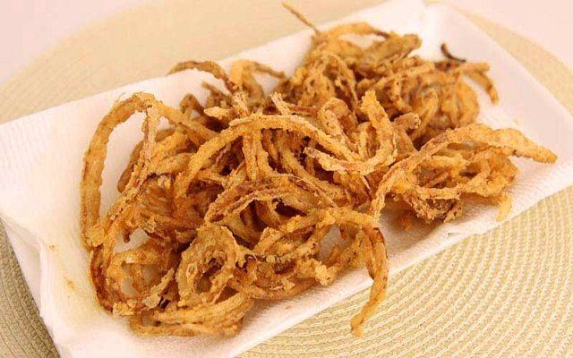 Cebolla frita crujiente