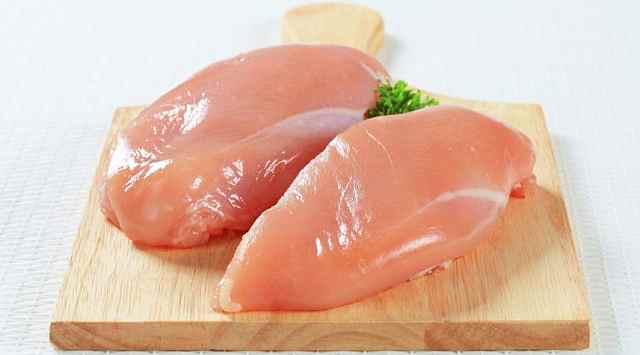 Brochetas de pollo y piña