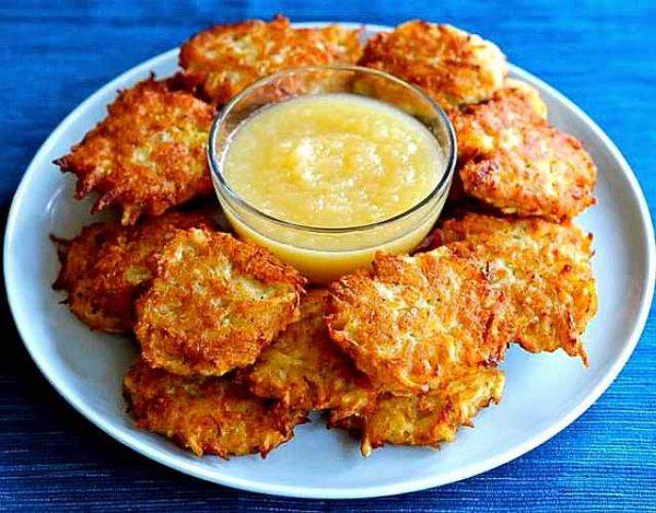 Patatas fritas estilo latke