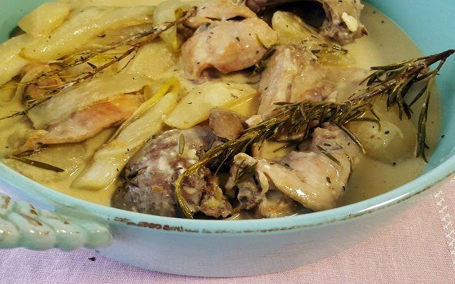 Conejo con salsa gorgonzola