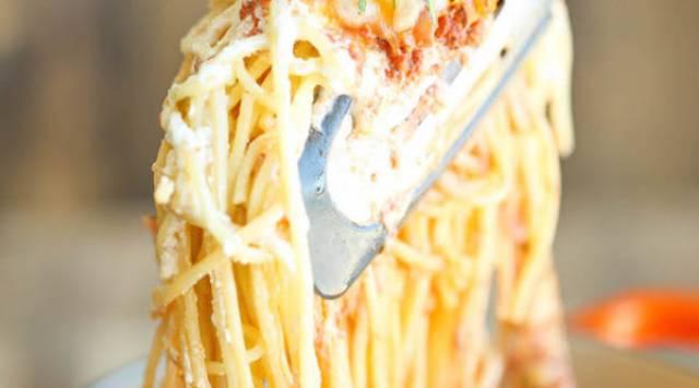 Espaguetis a los 3 Quesos