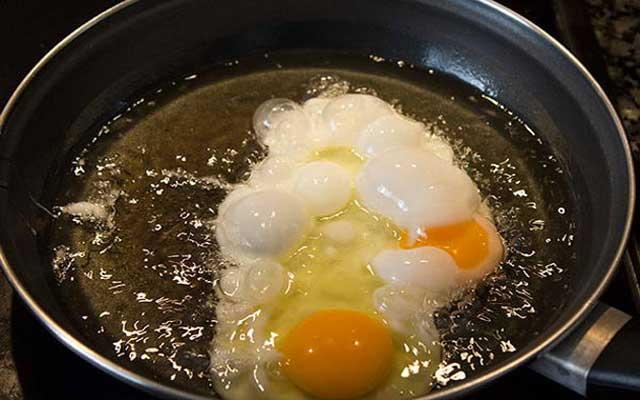 Huevos rotos con jamon