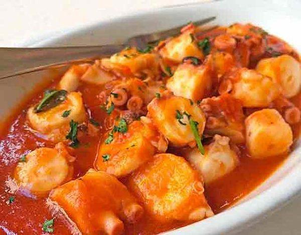 Pulpo en salsa de tomate