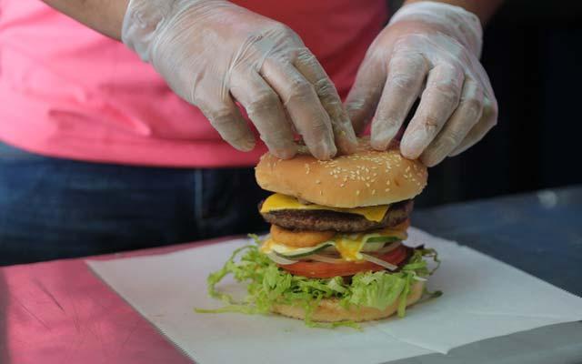 hamburguesa completa casera (con patatas)