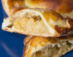 Empanadillas dulces de manzana