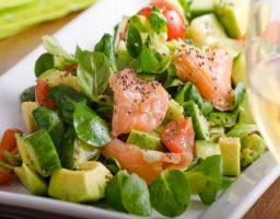 Ensalada de espinacas y salmón ahumado