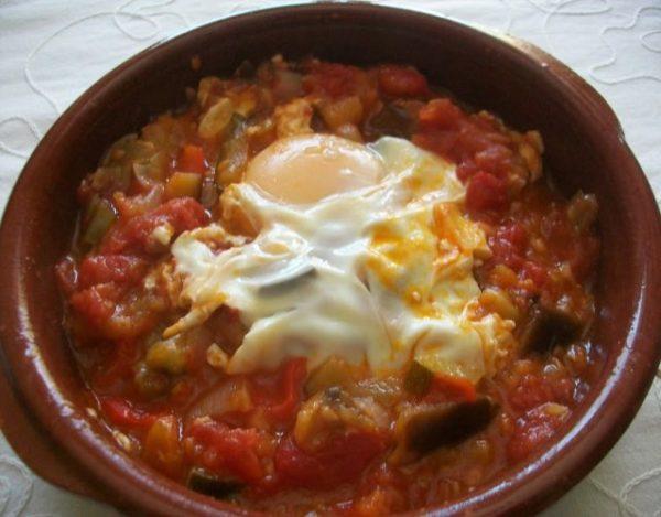 Receta de Pisto con huevo