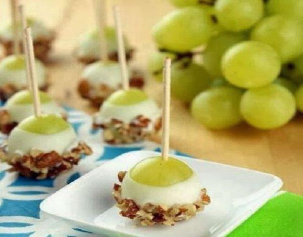 Receta de Canapés de uvas con queso