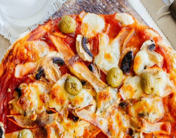 Pizza queso, champiñones y jamón york