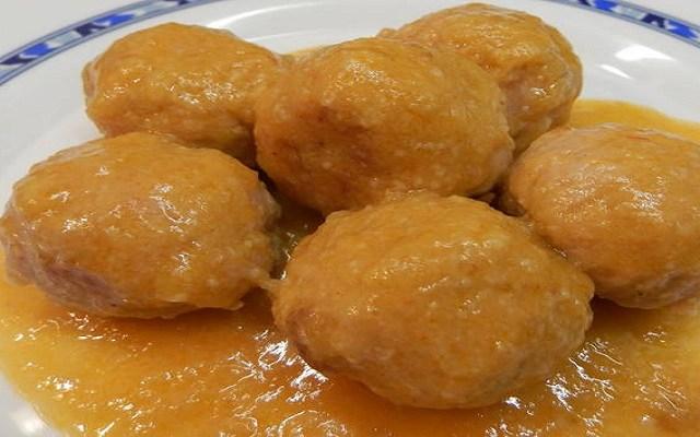 Albóndigas con salsa de calabaza