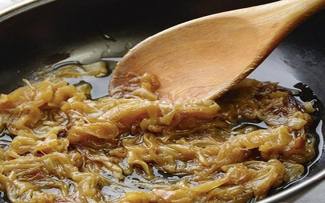 Tosta de foie y cebolla