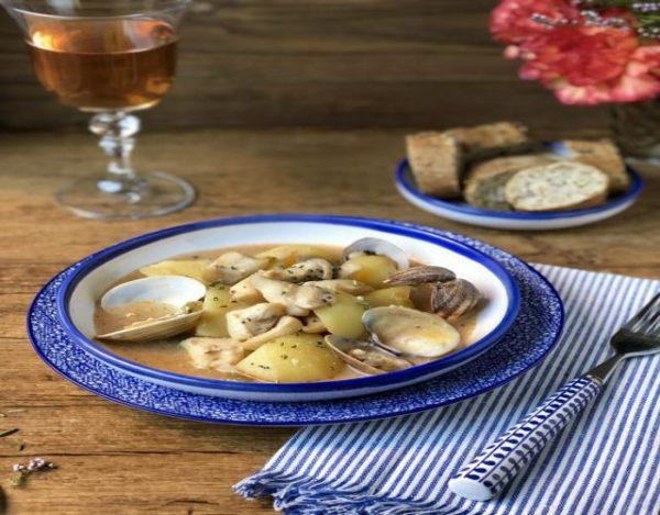 Receta de Sepia con patatas y almejas