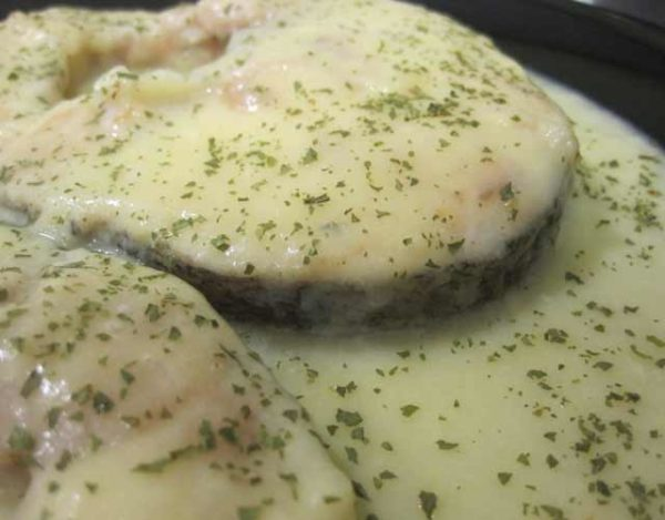 Merluza con salsa de puerros