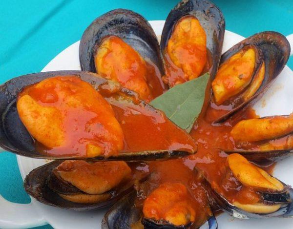 Mejillones con salsa de mojo