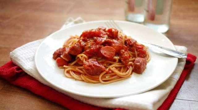 Espaguetis Integrales con Salsa de Tomate Fresco