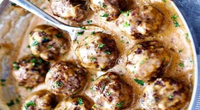 Albóndigas de Pollo con Salsa Boletus